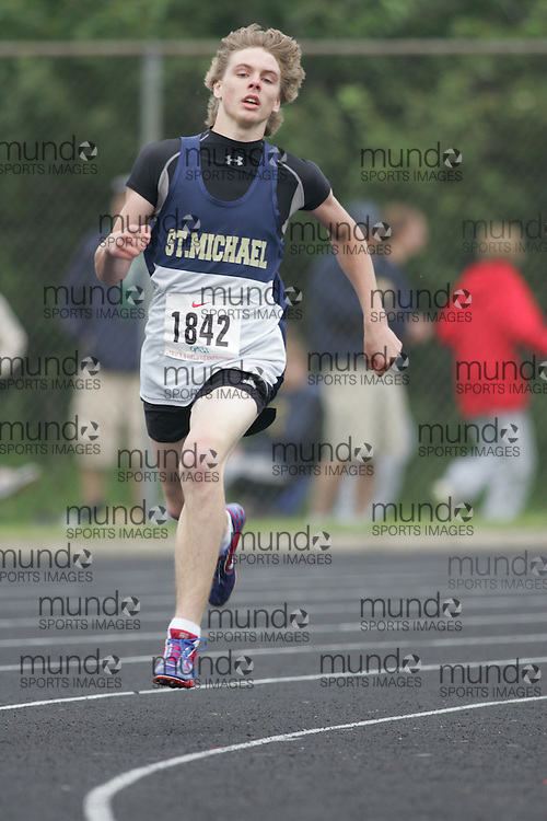Hamilton, Ontario ---05/06/08--- Matthew Penner of St. Michael in Kemptville competes in the 400 meters at the 2008 OFSAA Track and Field meet in Hamilton, Ontario..Sean Burges