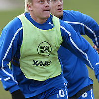 St Johnstone training..20.02.04<br />