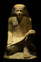 Egypte, la côte méditerranéenne, Alexandrie, Musée National d'Alexndrie. Satue en grés de Nebamun, Karnak. // Egypt, Alexandria, National museum. Limestone statue of Nebamun.
