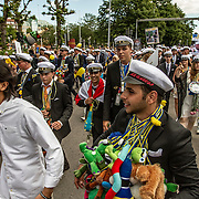Trollh&auml;ttan 20160610 <br /> Studenter marscherar till fallen p&aring; studentdagen<br /> <br /> <br /> FOTO JOACHIM NYWALL KOD0708840825<br /> COPYRIGHT JOACHIMNYWALL:SE<br /> <br /> ****BETALBILD****<br />  <br /> Redovisas till: Joachim Nywall<br /> Strandgatan 30<br /> 461 31 Trollh&auml;ttan<br />  Prislista: BLF, om ej annat avtalats