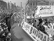 17/03/1954<br /> 03/17/1954<br /> 17 March 1954<br /> St. Patrick's Day Industrial Parade, Dublin. The parade on O'Connell Street.