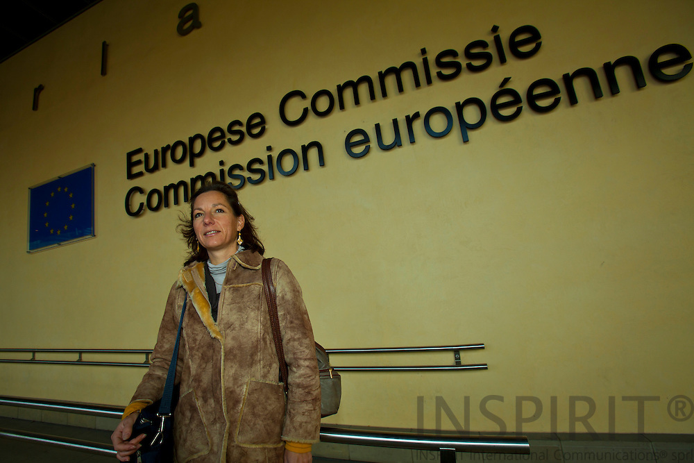 BRUSSELS - BELGIUM - 27 OCTOBER 2010-- Evelyne Schellekens foran Europa-Kommissionens hovedkontor, Berlaymont, i Bruxelles. Hun er generalsekretær i den europæiske organisation for elinstallatører, AIE - European Association of Electrical Contractors. PHOTO: ERIK LUNTANG / NATO Photo.