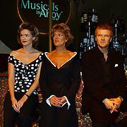Perspresentatie Musicals in Concert 2004, Tooske Breugem, Simone Kleinsma en Bastiaan Ragas