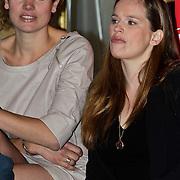 "NLD/Amsterdam/20100428 - Presentatie cast speelfilm ""Loft"", Anna Drijver en Lies Visschedijk"
