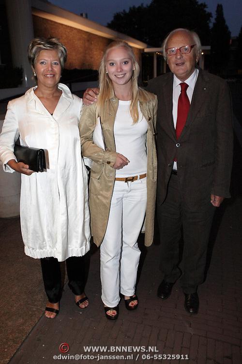 NLD/Amsterdam/20080913 - Modeshow Mart Visser 2008, Ferry Hoogendijk met partner Natascha van Trotsenburg en dochter Fleur