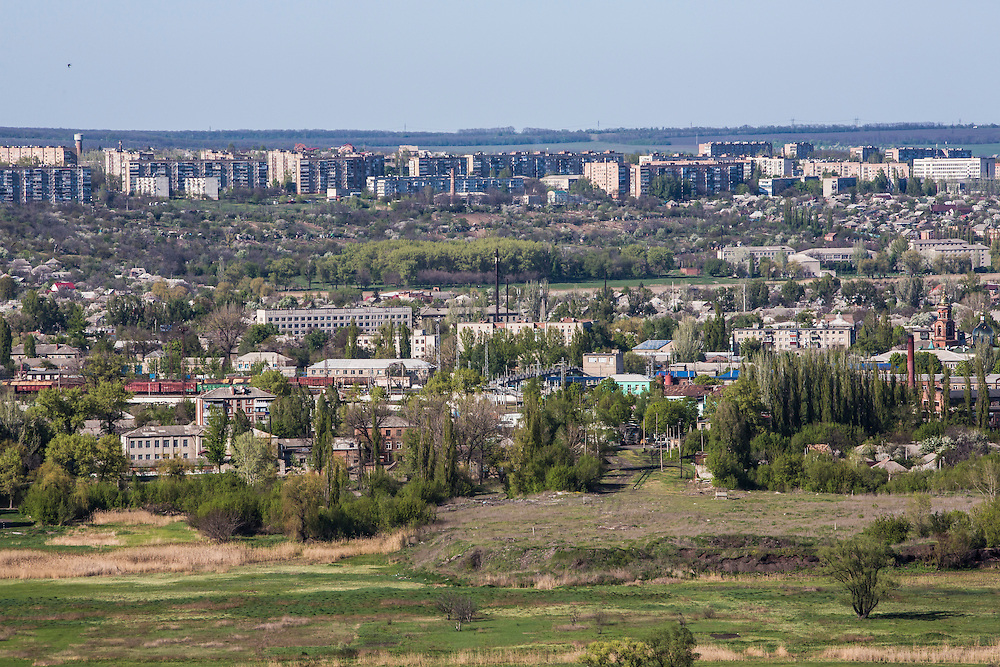 SLOVYANSK, UKRAINE - APRIL 25:  The city of Slovyansk is seen from a nearby hill on April 25, 2014 in Slovyansk, Ukraine. Pro-Russian activists have been occupying government buildings and demanding greater autonomy in at least ten Eastern Ukrainian cities in recent weeks, particularly Slovyansk, prompting the government in Kiev to threaten military action to retake control of the cities. (Photo by Brendan Hoffman/Getty Images) *** Local Caption ***