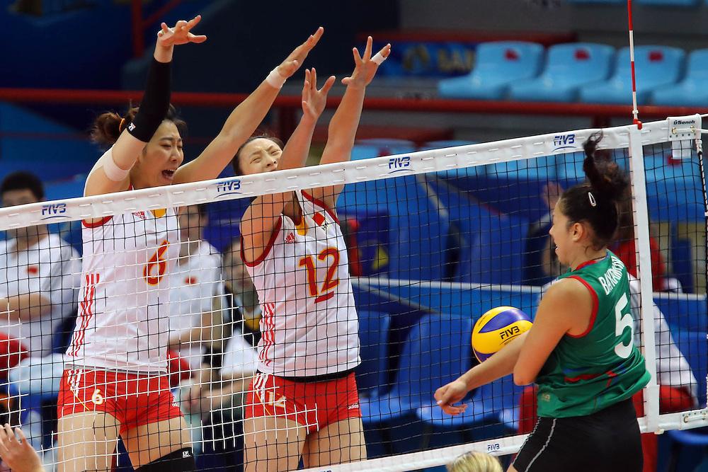 China Yang Junjing and China Hui Ruoqi block Azerbaijan Odina Bayramova