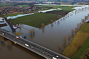 Nederland, Gelderland, Heumen, 10-01-2011;.Brug over de Maas met rijksweg A73 bij Heumen. Bridge across the river Meuse with roadway A73 near Heumen..luchtfoto (toeslag), aerial photo (additional fee required).foto/photo Siebe Swart