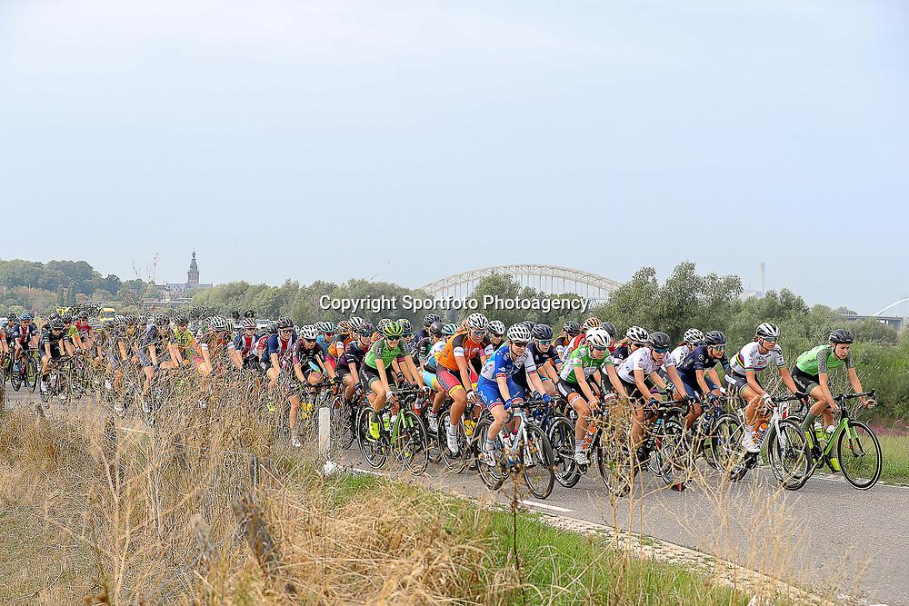 29-08-2018: Wielrennen: Ladies Tour: Nijmegen<br /> Peloton verlaat via de Ooijpolder Nijmegen
