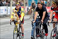 Sykkel<br /> Tour de France <br /> 24.07.2011<br /> Foto: PhotoNews/Digitalsport<br /> NORWAY ONLY<br /> <br /> 21th stage / Creteil - Paris Champs-Elysees<br /> <br /> EVANS Cadel (BMC RACING TEAM - AUS) - LELANGUE John
