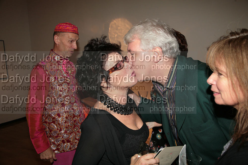 Andrew Logan, Ruby Wax,John Walsh and Lindsay de Paul ' Show Off' Theo Fennell exhibition co-hosted wit Vanity Fair. Royal Academy. Burlington Gdns. London. 27 September 2007. -DO NOT ARCHIVE-© Copyright Photograph by Dafydd Jones. 248 Clapham Rd. London SW9 0PZ. Tel 0207 820 0771. www.dafjones.com.