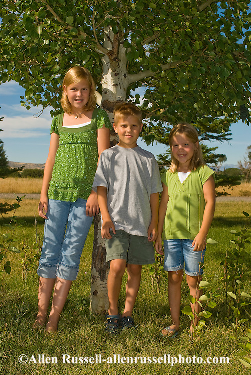 Siblings, teenage girl and twin brother and sister, Montana,  <br /> MODEL RELEASED