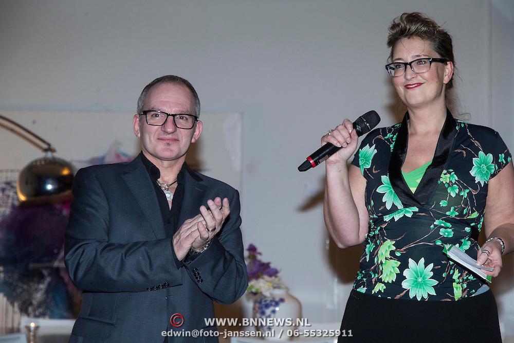 NLD/Amsterdam/20140227 - Boekpresentatie Jeroen van Inkel - Kort Sluiting , Jeroen van Inkel met de uitgever van het boek