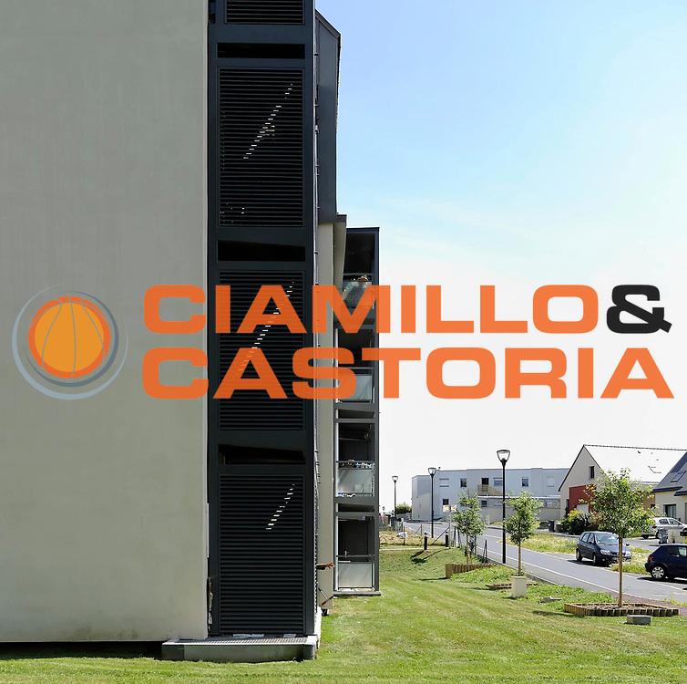 DESCRIZIONE : Immeuble Habitat 35 <br /> GIOCATORE : ARCHIPOLE <br /> SQUADRA : Architecte Nicole Huart<br /> EVENTO : Architecture<br /> GARA : <br /> DATA : 01/07/2013<br /> CATEGORIA : Exterieur Plan Moyen<br /> SPORT : <br /> AUTORE : JF Molliere<br /> Galleria : France Architecture 2013 <br /> Fotonotizia : Immeuble Habitat 35 Archipole <br /> Predefinita :