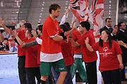 DESCRIZIONE : Torino Coppa Italia Final Eight 2012 Finale Montepaschi Siena Bennet Cantu <br /> GIOCATORE : David Andersen Special Olympics<br /> CATEGORIA : special<br /> SQUADRA : Montepaschi Siena<br /> EVENTO : Suisse Gas Basket Coppa Italia Final Eight 2012<br /> GARA : Montepaschi Siena Bennet Cantu<br /> DATA : 19/02/2012<br /> SPORT : Pallacanestro<br /> AUTORE : Agenzia Ciamillo-Castoria/M.Marchi<br /> Galleria : Final Eight Coppa Italia 2012<br /> Fotonotizia : Torino Coppa Italia Final Eight 2012 Finale Montepaschi Siena Bennet Cantu<br /> Predefinita :