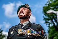 AMSTERDAM Portret van Marco Kroon Na een jaar onderzoek heeft het ministerie van Defensie geen bewijs gevonden dat oorlogsheld Marco Kroon in 2007 is ontvoerd in Afghanistan en dat hij daarna zijn gijzelnemer heeft gedood. Dat schrijft de Volkskrant.  ROBIN UTRECHT