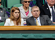 Wimbledon Championships 2011, AELTC,London,.ITF Grand Slam Tennis Tournament . Prinz Edward und seine Tochter Prinzessin Beatrice als Zuschauer in der Royal Box, Loge,Querformat,Feature,