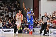 DESCRIZIONE : Campionato 2014/15 Serie A Beko Dinamo Banco di Sardegna Sassari - Grissin Bon Reggio Emilia Finale Playoff Gara4<br /> GIOCATORE : Rakim Sanders<br /> CATEGORIA : Ritratto Esultanza Mani<br /> SQUADRA : Dinamo Banco di Sardegna Sassari<br /> EVENTO : LegaBasket Serie A Beko 2014/2015<br /> GARA : Dinamo Banco di Sardegna Sassari - Grissin Bon Reggio Emilia Finale Playoff Gara4<br /> DATA : 20/06/2015<br /> SPORT : Pallacanestro <br /> AUTORE : Agenzia Ciamillo-Castoria/C.Atzori