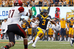 BERKELEY, CA - SEPTEMBER 12:  Wide receiver Maurice Harris #3 of the California Golden Bears rushes up field for a touchdown against the San Diego State Aztecs during the second quarter at California Memorial Stadium on September 12, 2015 in Berkeley, California. (Photo by Jason O. Watson/Getty Images) *** Local Caption *** Maurice Harris
