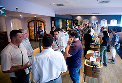 Pogostitev in debata po okrogli mizi na temo o preteklosti, sedanjosti in prihodnosti slovenskega rokometa v organizaciji SportForum Slovenija, 21. maj 2009,  Austria Trend Hotel, Ljubljana, Slovenija. (Photo by Vid Ponikvar / Sportida)