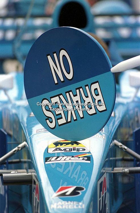 No Brakes, Pit Lollipop,  Benetton F1, Formula One Testing Silverstone, June 1999