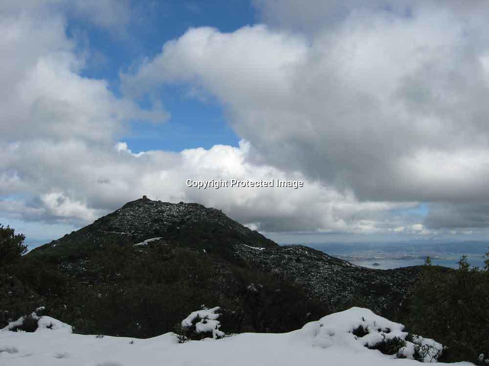 Snow on Mount Tamalpais.<br /> Feb 20, 2011