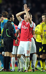 23.11.2011, Emirates Stadion, London, ENG, UEFA CL, Gruppe F, FC Arsenal (ENG) vs Borussia Dortmund (GER), im Bild Arsenal's Aaron Ramsey applauds the supporters following the football match of UEFA Champions league, group F, between FC Arsenal (ENG) and Borussia Dortmund (POR) at Emirates Stadium, London, United Kingdom on 2011/11/23. EXPA Pictures © 2011, PhotoCredit: EXPA/ Sportida/ Chris Brunskill..***** ATTENTION - OUT OF ENG, GBR, UK *****