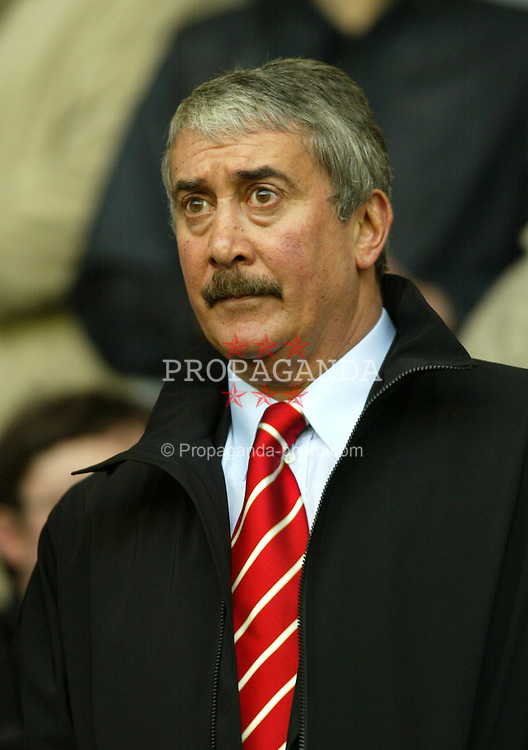 LIVERPOOL, ENGLAND - Saturday, January 10, 2004: Liverpool's chairman David Moores watches his side win 1-0 over Aston Villa during the Premiership match at Anfield. (Photo by David Rawcliffe/Propaganda)