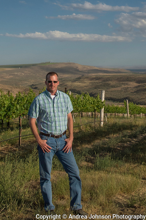 vineyard manager John Derrick, Cavalee Vineyard, Mercer Estates, Horse Heaven Hills, Washington