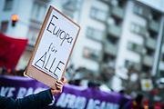 Frankfurt | 25 February 2017<br /> <br /> Am Samstag (25.02.2017) nahmen etwa 1000 Menschen in Frankfurt am Main an einer linksradikalen Demonstration unter dem Motto &quot;Make Racists Afraid Again&quot; Teil. Die Demo begann am S&uuml;dbahnhof in Frankfurt-Sachsenhausen und endete am Willy-Brandt-Platz. Organisiert wurde der Aufmarsch von dem B&uuml;ndnis &quot;Antifa United Frankfurt&quot;.<br /> Hier: Eine Demonstrantin h&auml;lt ein kleines Plakat mit der Aufschrift &quot;Europa f&uuml;r Alle!&quot;.<br /> <br /> photo &copy; peter-juelich.com