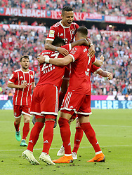 14.04.2018, Allianz Arena, Muenchen, GER, 1. FBL, FC Bayern Muenchen vs Borussia Moenchengladbach, 30. Runde, im Bild Thiago Alcantara (FC Bayern Muenchen #6) David Alaba (FC Bayern Muenchen #27) Sandro Wagner (FC Bayern Muenchen #2) Jubel nach dem 2:1 // during the German Bundesliga 30th round match between FC Bayern Munich and Borussia Moenchengladbach at the Allianz Arena in Muenchen, Germany on 2018/04/14. EXPA Pictures &copy; 2018, PhotoCredit: EXPA/ Eibner-Pressefoto/ Langer<br /> <br /> *****ATTENTION - OUT of GER*****