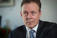 19 MAR 2015, BERLIN/GERMANY:<br /> Thomas Oppermann, SPD Fraktionsvorsitzender, waehrend einem Interview, in seinem Buero, Jakob-Kaiser-Haus, Deutscher Bundestag<br /> IMAGE: 20150319-02-017<br /> KEYWORDS: Büro
