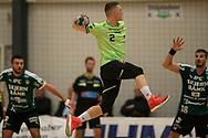 HÅNDBOLD: Nicolai Pedersen (Nordsjælland) springer højt under kampen i 888-Ligaen mellem Nordsjælland Håndbold og Skjern Håndbold den 7. marts 2018 i Helsinge Hallen. Foto: Claus Birch.