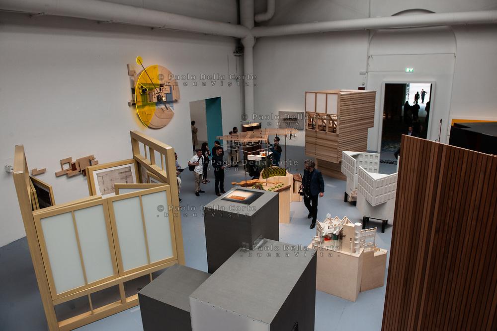 """Venezia - 16. Mostra di Architettura. Padiglioni ai Giardini. La sala centrale del Palazzo delle Esposizioni"""""""
