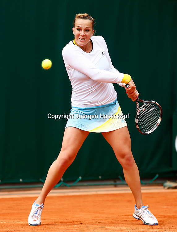 French Open 2013, Roland Garros,Paris,ITF Grand Slam Tennis Tournament, Anastasia Pavlyuchenkova (RUS),Aktion,Einzelbild,.Ganzkoerper,Hochformat,