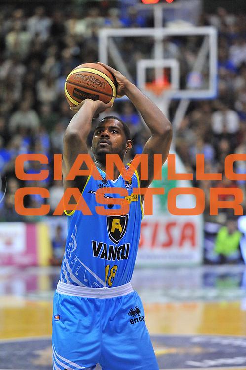DESCRIZIONE : Campionato 2013/14 Dinamo Banco di Sardegna Sassari - Vanoli Cremona<br /> GIOCATORE : Kyle Johnson<br /> CATEGORIA : Tiro Libero<br /> SQUADRA : Vanoli Cremona<br /> EVENTO : LegaBasket Serie A Beko 2013/2014<br /> GARA : Dinamo Banco di Sardegna Sassari - Vanoli Cremona<br /> DATA : 16/02/2014<br /> SPORT : Pallacanestro <br /> AUTORE : Agenzia Ciamillo-Castoria / Luigi Canu<br /> Galleria : LegaBasket Serie A Beko 2013/2014<br /> Fotonotizia : Campionato 2013/14 Dinamo Banco di Sardegna Sassari - Vanoli Cremona<br /> Predefinita :