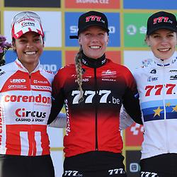 16-11-2019: Wielrennen: Wereldbeker Veldrijden: Tabor<br />Annemarie Worst heeft de wereldbekercross van Tabor gewonnen. De Gelderse won daarmee haar tweede wereldbeker op rij.<br /> De net onttroonde Europees kampioene wist halverwege de wedstrijd de snel gestarte Ceylin del Carmen Alvarado bij te halen en schudde de jonge Rotterdamse in de slotronde af. Derde werd Yara Kastelijn
