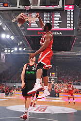 21.06.2015, Brose Arena, Bamberg, GER, Beko Basketball BL, Brose Baskets Bamberg vs FC Bayern Muenchen, Playoffs, Finale, 5. Spiel, im Bild Trevor Mbakwe (Brose Baskets Bamberg / vorne) dunkt den Ball in den Korb. Dahinter: John Bryant (FC Bayern Muenchen) // during the Beko Basketball Bundes league Playoffs, final round, 5th match between Brose Baskets Bamberg and FC Bayern Muenchen at the Brose Arena in Bamberg, Germany on 2015/06/21. EXPA Pictures &copy; 2015, PhotoCredit: EXPA/ Eibner-Pressefoto/ Merz<br /> <br /> *****ATTENTION - OUT of GER*****