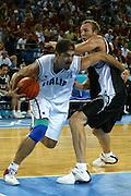 ATENE, 15 AGOSTO 2004<br /> BASKET, OLIMPIADI ATENE 2004<br /> ITALIA - NUOVA ZELANDA<br /> NELLA FOTO: ROBERTO CHIACIG<br /> FOTO CIAMILLO