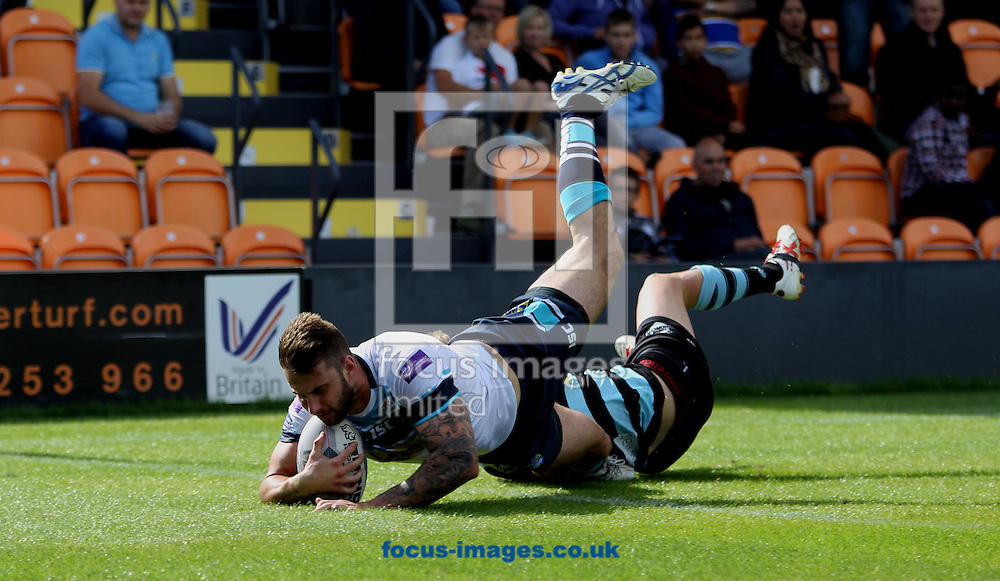 Mitch Achurch of Leeds Rhinos  scores the try against London Broncos during the First Utility Super League match at The Hive Stadium, Harrow<br /> Picture by Stephen Gaunt/Focus Images Ltd +447904 833202<br /> 17/08/2014