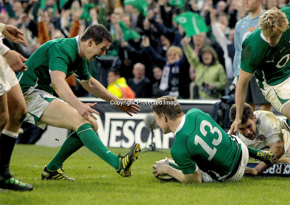 RBS Six Nations Championship, Aviva Stadium, Dublin 19/3/2011<br />Ireland vs England<br />Ireland's Jonny Sexton congratulates Brian O'Driscoll<br />Mandatory Credit &copy;INPHO/Morgan Treacy *** Local Caption ***