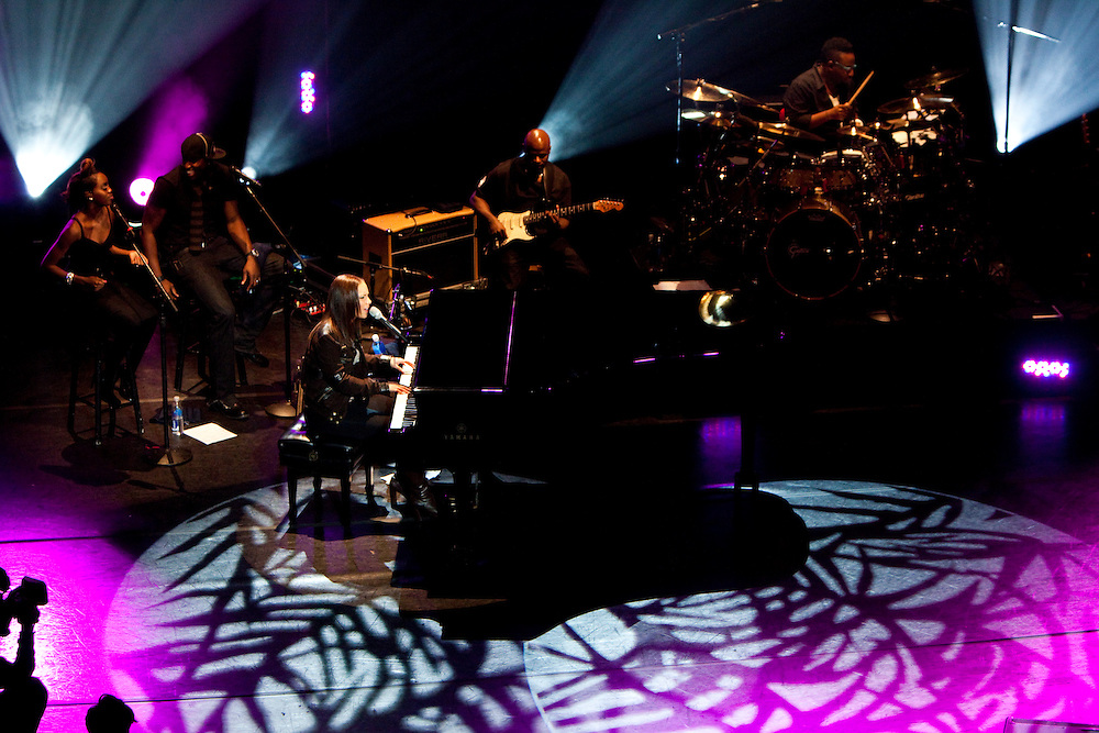"NEW YORK, NY - OCTOBER 21: Grammy Award winning musician Alicia Keys performs during a taping of ""The Element of Freedom: The Lecture & Performance Series"" at New York University's Skirball Center for the Performing Arts on October 21, 2009 in New York, New York. (PHOTO CREDIT: Eric M. Townsend) for Yahoo! Music / Pepsi Smash"