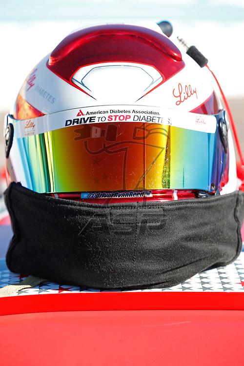 Avondale, AZ - Nov 14, 2015:  The NASCAR Xfinity Series teams take to the track to qualify for the DAV 200 at Phoenix International Raceway in Avondale, AZ.