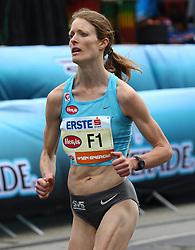 18.04.2010, Wien, AUT, Vienna City Marathon 2010, im Bild die beste Österreicherin Andrea Mayr 1 KM vor dem Ziel,  EXPA Pictures © 2010, PhotoCredit: EXPA/ T. Haumer / SPORTIDA PHOTO AGENCY