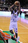 DESCRIZIONE : Treviso Lega due 2015-16  Universo Treviso De Longhi - Aurora Basket Jesi<br /> GIOCATORE : la marshall corbett<br /> CATEGORIA : Tiro<br /> SQUADRA : Universo Treviso De Longhi - Aurora Basket Jesi<br /> EVENTO : Campionato Lega A 2015-2016 <br /> GARA : Universo Treviso De Longhi - Aurora Basket Jesi<br /> DATA : 31/10/2015<br /> SPORT : Pallacanestro <br /> AUTORE : Agenzia Ciamillo-Castoria/M.Gregolin<br /> Galleria : Lega Basket A 2015-2016  <br /> Fotonotizia :  Treviso Lega due 2015-16  Universo Treviso De Longhi - Aurora Basket Jesi