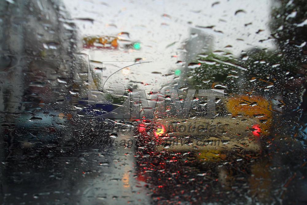 Toluca, M&eacute;x.- Torrenciales lluvias ha azotado el valle de Toluca. Agencia MVT / Mario V&aacute;zquez de la Torre. (DIGITAL)<br /> <br /> NO ARCHIVAR - NO ARCHIVE