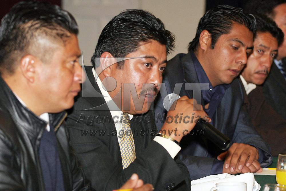TOLUCA, México.- Alcaldes del Valle de Toluca, asistieron a la primera reunión de trabajo de coordinación metropolitana, que encabezo el secretario Manuel Cadena Ortiz de Montellano. Agencia MVT / José Hernández. (DIGITAL)