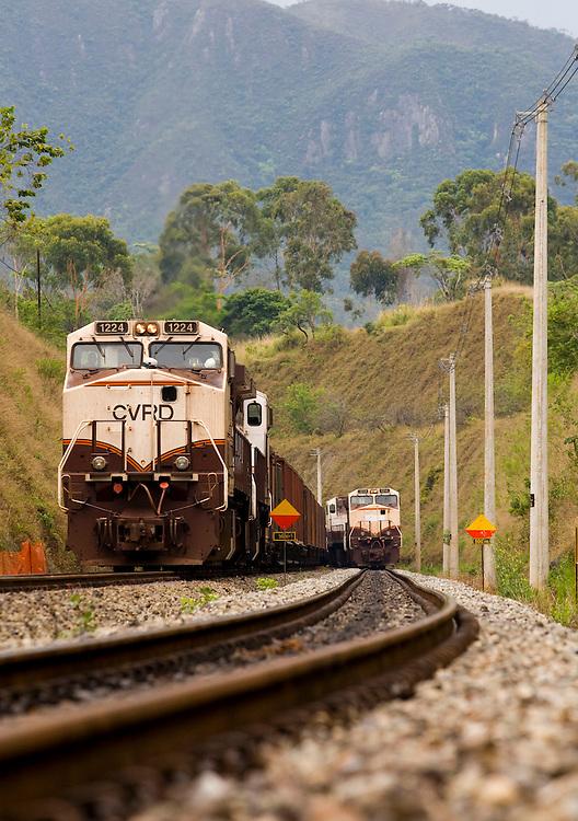 Santa Barbara_MG, Brasil...Ferrovia Vitoria Minas da Vale (CRVD)...The  railway building Vitoria Minas of Vale (CRVD)...Foto: LEO DRUMOND / NITRO