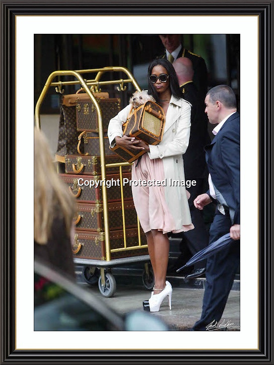 NAOMI CAMBELL DORCHESTER HOTEL 2007, A2 Museum-quality Archival signed Framed Print £500
