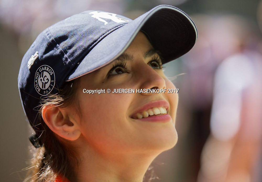 French Open 2017 Feature, Portrait einer Hostess,<br /> <br /> Tennis - French Open 2017 - Grand Slam / ATP / WTA / ITF -  Roland Garros - Paris -  - France  - 10 June 2017.